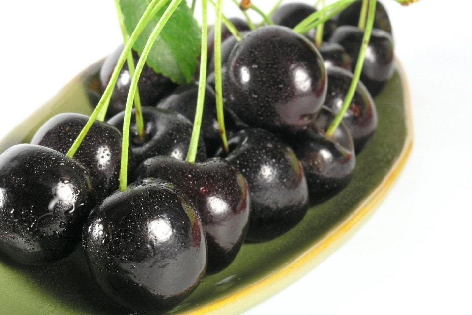 черная черешня для приготовления киршвассера